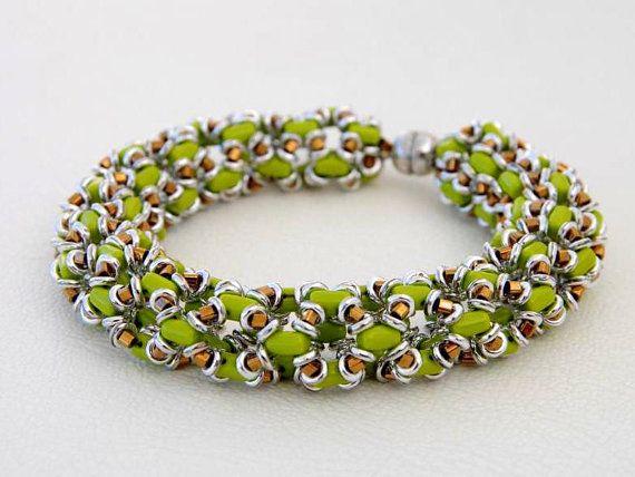 Jewelry Tutorial.... la O la ... OBead Bracelet OBead por SeeBead