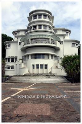 Art Deco - Bandung