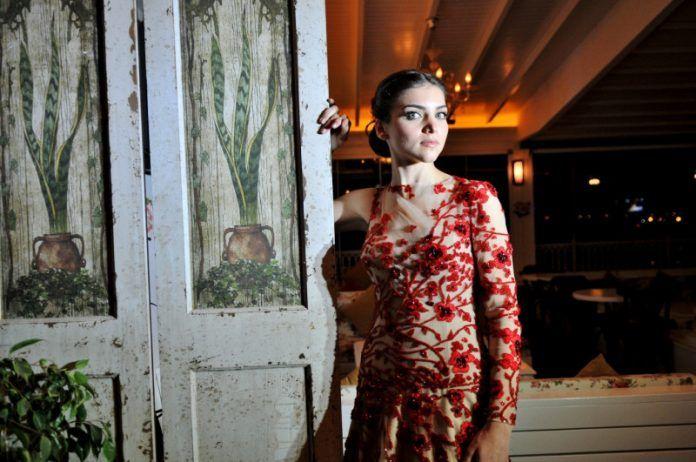 Konya Nişan Fotoğrafçısı Fiyatları, Nişanda Fotoğraf Çekim Ücretleri