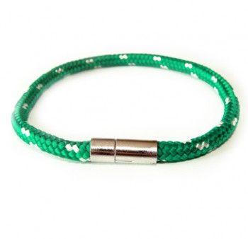 Bransoletka męska z zielono-białego sznurka. Pogodny kolor, wygodne zapięcie. Miły upominek.
