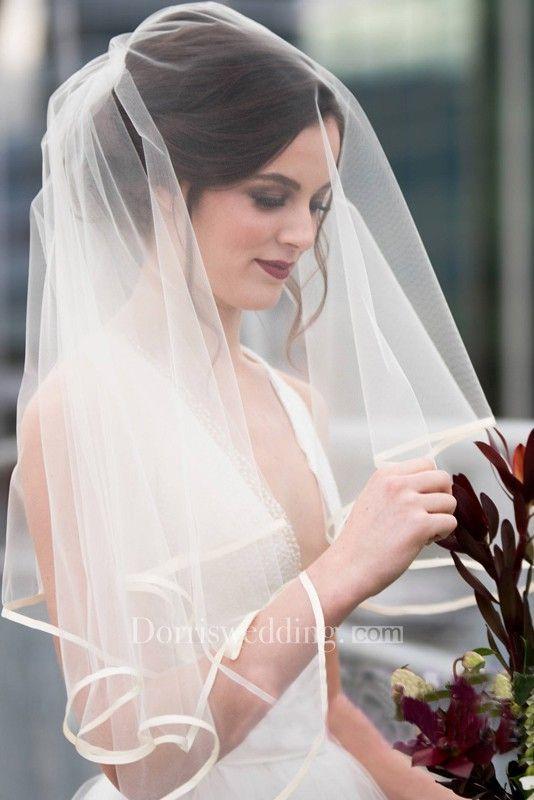 New Arrival Super Fairy Wedding Veils Simple Multi-Layer Wedding Travel Veil Short Category:Shoulder Veils Fabric:Tulle Net Weight (kg):0.1 Shipping W...
