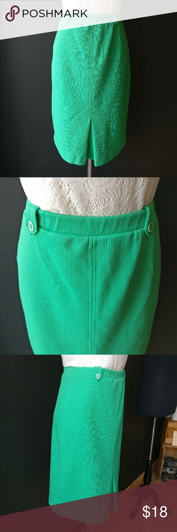 The Petite Concept Vintage Green Pencil Skirt The Petite Concept by Devon Vintage Green Pencil Skirt  Two buttons on front  Elastic waist  This is a vintage, petite size 8. Fits more like a 4/ small. Small snag as shown in photo with finger for scale. The Petite Concept  Skirts Pencil