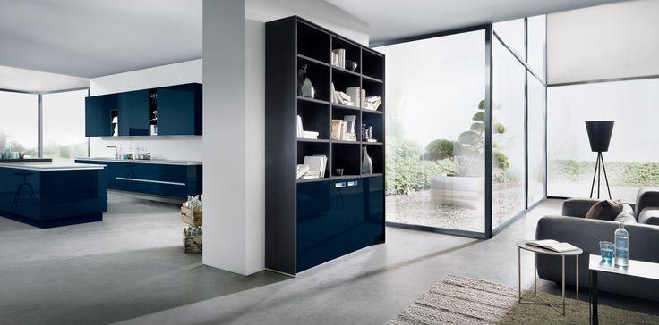 NX501 van next125, in indigoblauw uitvoering. Prachtige combinatie van massief hout, edel fineer, steen of edelstaal met een hoogglans lak voor een chique uitstraling. www.logusvlissingen.nl