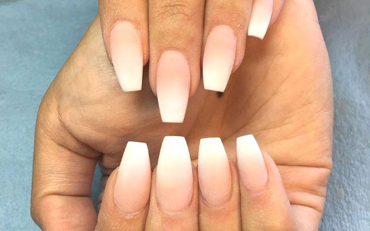 Ombre nagels zullen altijd wel in blijven. En waarom niet? Bekijk voorbeelden en tutorials. En ja, ombre nagels maken kan ook met gel nagellak!