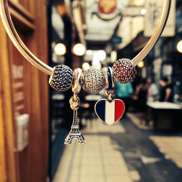 What an amazing Paris-themed bracelet! Share your favorite travel moments on Instagram for the chance to win a travel inspired bracelet. Click the image for more information. :) #PANDORAtravelcontest