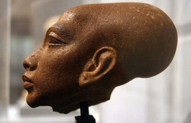 Head of the statue of a princess, one of the six daughters of Akhenaten and Nefertiti, New Kingdom of Ancient Egypt, 18th Dynasty, ca. 1350 BC.  Photo taken by Manfred Werner at the Staatliches Museum Ägyptischer Kunst, Munich, Germany.
