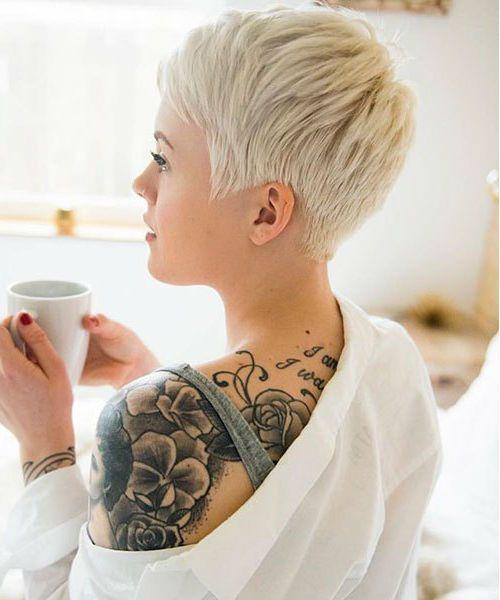 Top 5 Freaking Short Edgy Haircuts für Mädchen und Frauen im Jahr 2020 heiß und edel aussehen