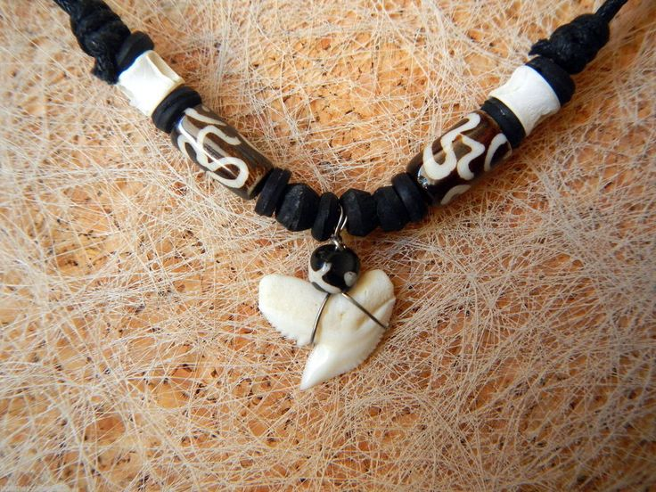 COLLAR DIENTE DE TIBURON SHARKTOOTH NECLACE HAIZAHN DENT DE REQUIN T54 TH