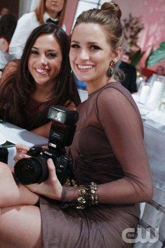 Alex Dupres (Jana Kramer) & Quinn James (Shantel Vansanten) at the Brulian wedding