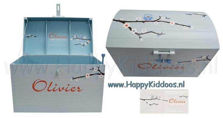Houten geboorte kist XL beschilderd met naam    geboortekaartje www happykiddoos nl