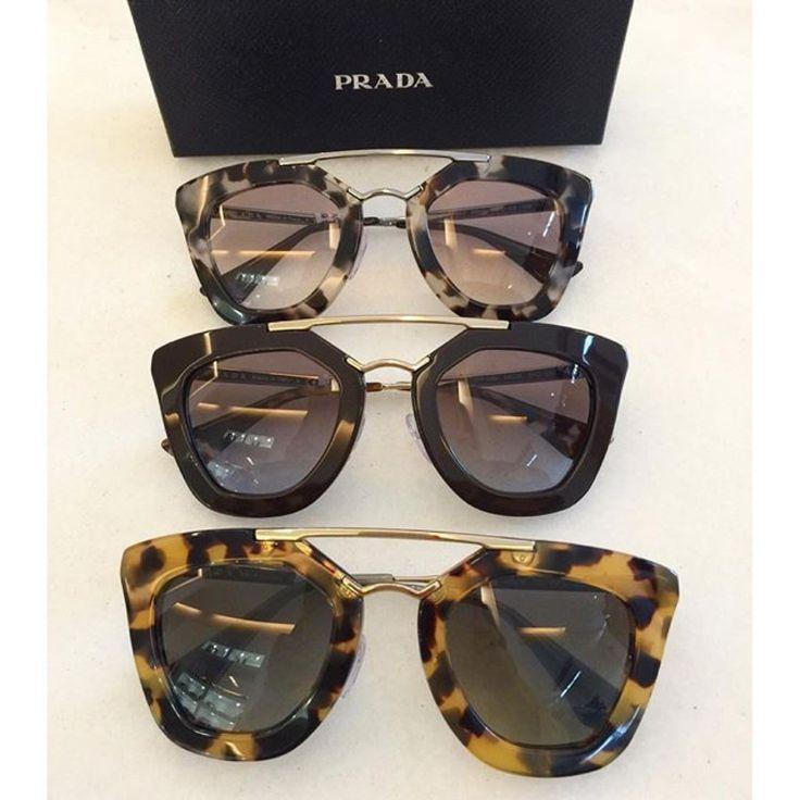 Novas cores do Prada Cinema chegando nas www.oticaswanny.com #euquero #oculos…