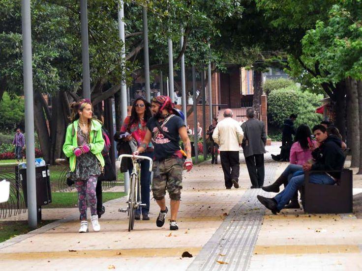 19. En el Parque se ven personas de todas las edades y estilos.