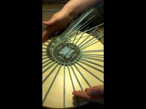 Panno.mp4 - YouTube Good visual instructions. Seems easy to follow if you already have an understanding of weaving.