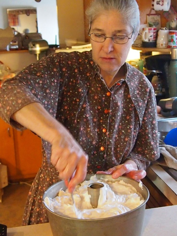 Plain Kansas Special Recipe: Easy Homemade Angel Food Cake | Amish Recipes Oasis Newsfeatures