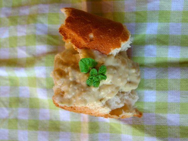 jadłonomia • roślinne przepisy: Co do chleba? Pasta z fasoli.