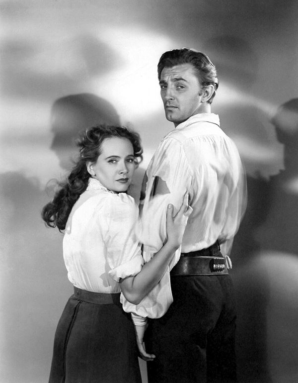 Robert Mitchum, Teresa Wright - Pursued (1947)
