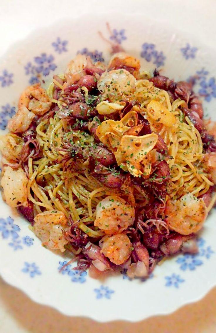 ゆっこ's dish photo ホタルイカとエビのガーリックバジルパスタ♡