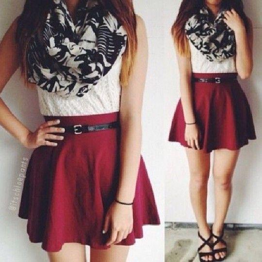Falda Color Vino + Blusa Blanca + Bufanda + Sandalias Negras