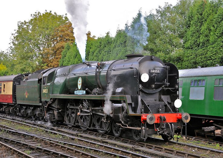 34053: Severn Valley Railway Bridgnorth Shropshire 21st September 2014  With safety valve blowing British Railways rebuilt Bullied Battle of Britain 4-6-2 34053 Sir Keith Park slowly departs from Bridgnorth with the 15.00 Gala train to Kidderminster. Photo by loose_grip_99
