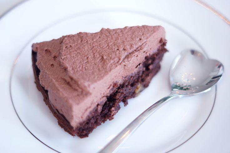 LCHF chocolate cake - gluten and sugar free