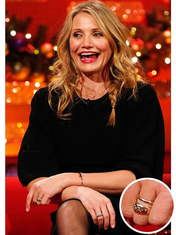 Is Cameron Diaz Engaged? This Looks Like an Engagement Ring! http://stylenews.peoplestylewatch.com/2014/12/19/cameron-diaz-engagement-ring-photos/