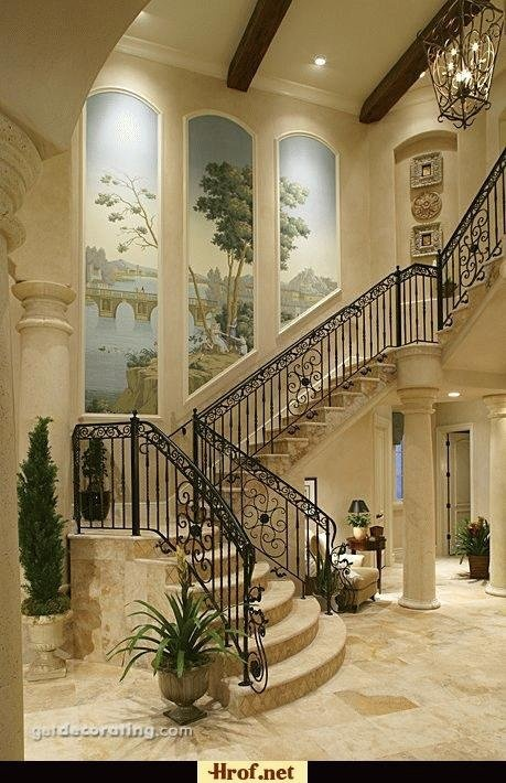 Lovely staircase with wonderful trompe l'oeil