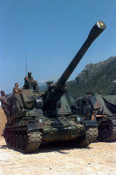 Le canon automoteur de 155 mm Au F1 sur châssis AMX 30 (AMX 30 Au F1)