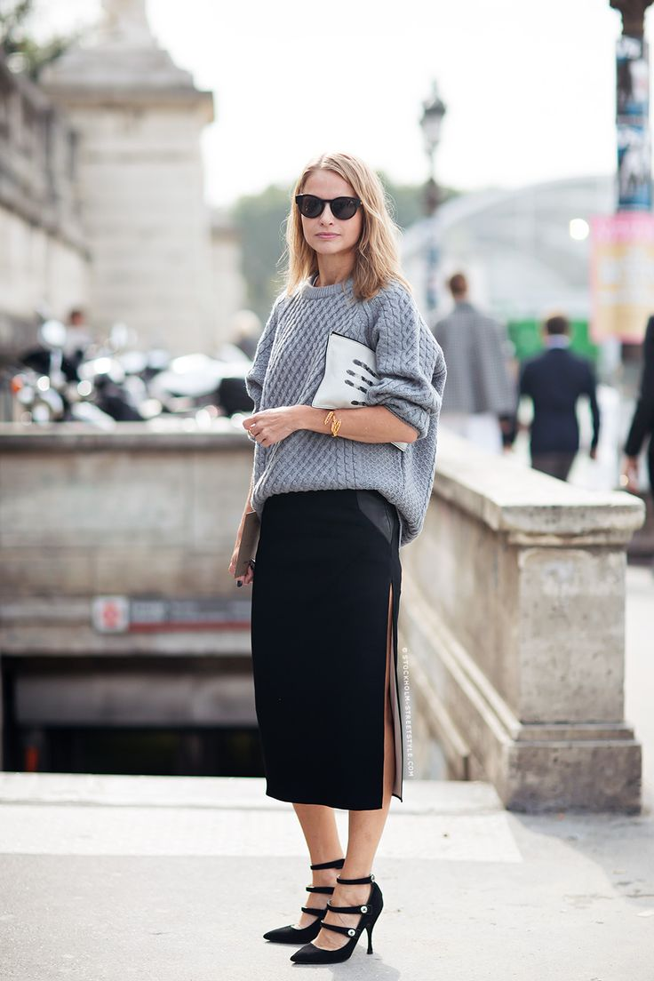 #HolliRogers #StockholmStreetStyle #streetstyle grey knit + black split pencil skirt + strappy heels