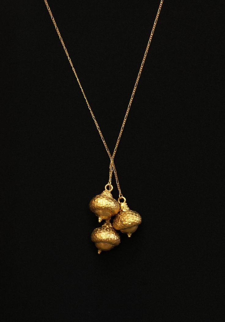 Eichelkette gold, echte Eicheln 24karat vergoldet; Acornbracelet gold, real acorns gold plated 24k von GALVANITY auf Etsy