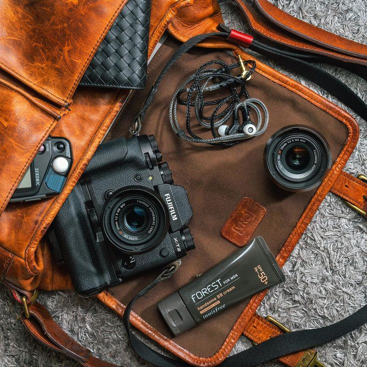 The ONA Prince Street camera bag in Antique Cognac.