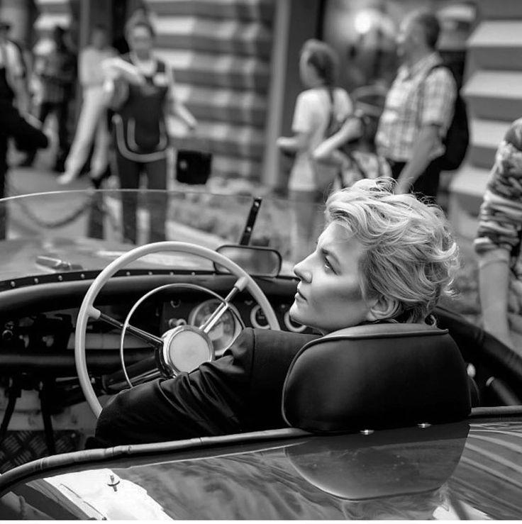 25.1 тыс. отметок «Нравится», 77 комментариев — Renata (@renatalitvinovaofficiall) в Instagram: «Ударим автопробегом по бездорожью) @gum_ru @bosco_di_ciliegi фото @tatler_russia #ренаталитвинова…»