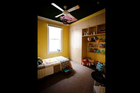 Sophie and Dale's Challenge House Children's Room. Who else but Sophie and Dale would think to be grass and furniture on the ceiling. Awesome!