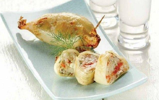 Καλαμάρια γεμιστά με τυρί και πιπεριά - iCookGreek