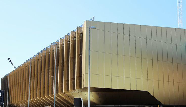 Melbourne Convention Centre. Melbourne, Australia. larson® Gold