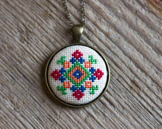 Cross stitch necklace - Ukrainian folk embroidery - Ethnic collection by Skrynka