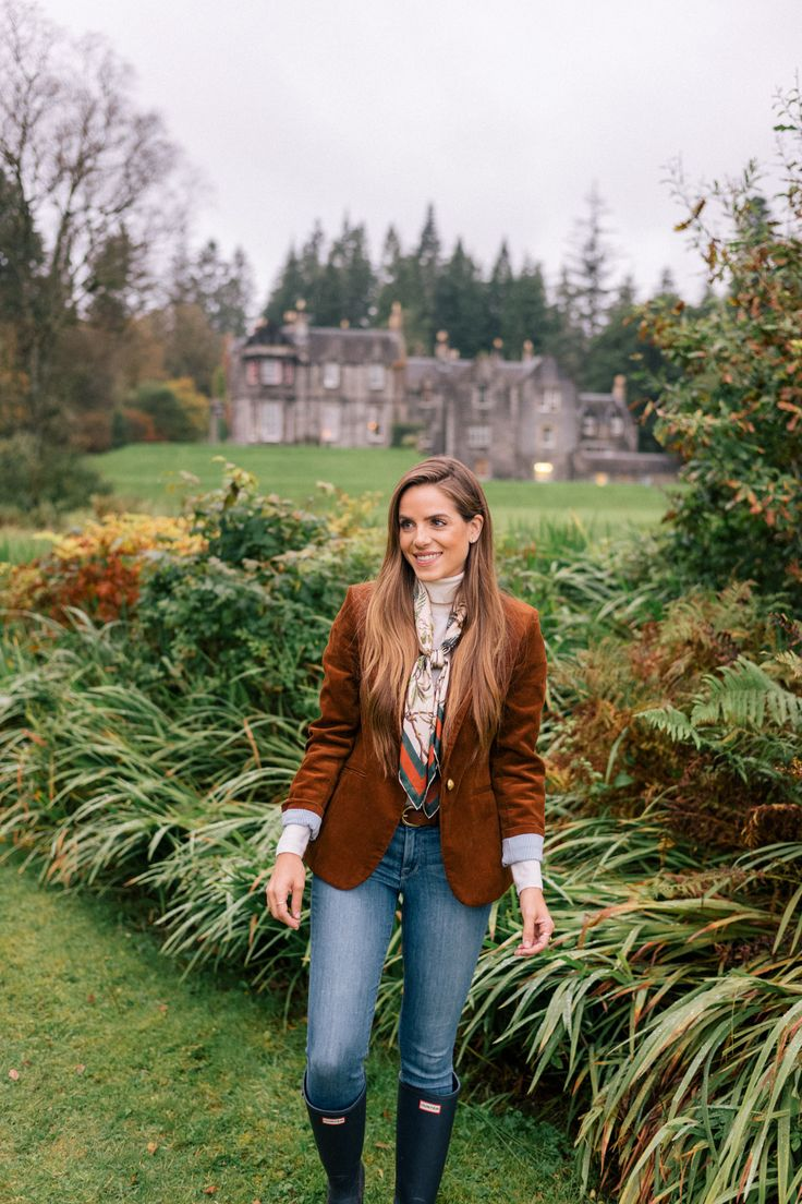 Gal Meets Glam Our Scotland Adventure Part 3 - J.Crew blazer, J.Crew turtleneck, Frame jeans, J.Crew Belt, Gucci scarf, & Hunter boots