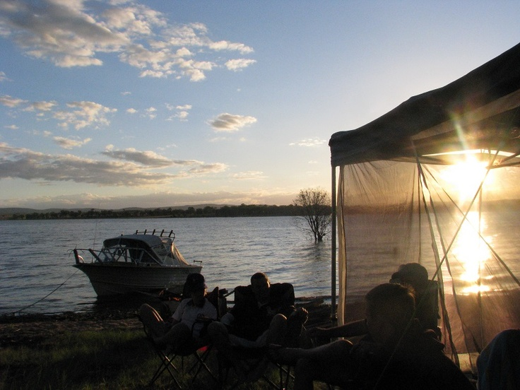 Camping right near the waters edge at Lesley Dam QLD Australia....such a lovely way to spend the New Year celebrations.