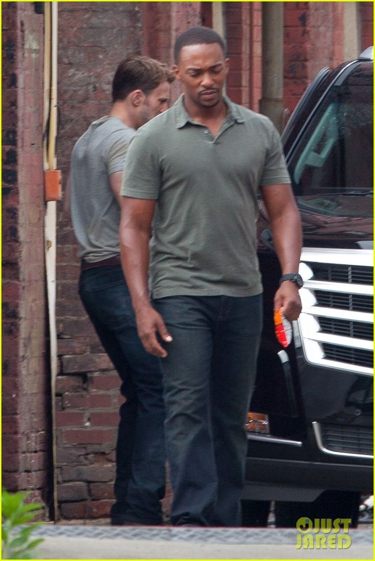 Chris Evans, Anthony Mackie And Emily VanCamp Spotted On CAPTAIN AMERICA: CIVIL WAR Set