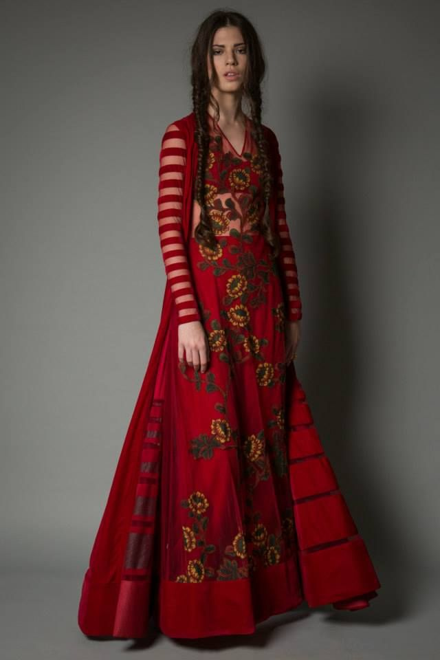 Neeta Lulla Kalamkari Collection https://www.facebook.com/nikhaarfashions
