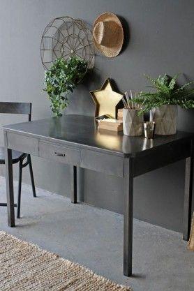 Vintage Style Metal Desk #workspace #gettowork #workhard #homeoffice #officeideas #industrialfurniture #AW16 #RSG