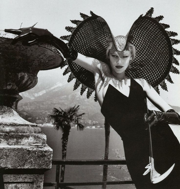 Shirley Mallmann in Cosi L'Ultimo Stile Newton for Vogue Italia, September 1996  Shot by Helmut Newton  Styled by Alice Gentilucci