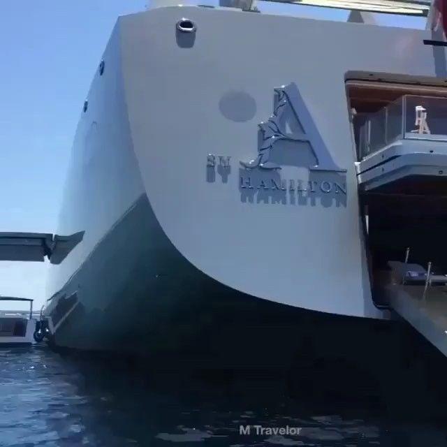S/Y A  #topyacht#yacht#yachts#boat#boats#car#cars#luxury#dubailife#russia#billionaire#luxurylife#sailing#yachting#superyacht#sea#rich#ibiza#miami#sunnyday#sunshine#boatlife#luxe#london#millionaire#goodlife#dubai#boating#beautiful#dubai Video by @mtravelor