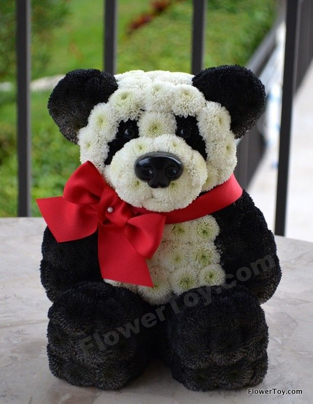 Christmas Cakes With Pandas