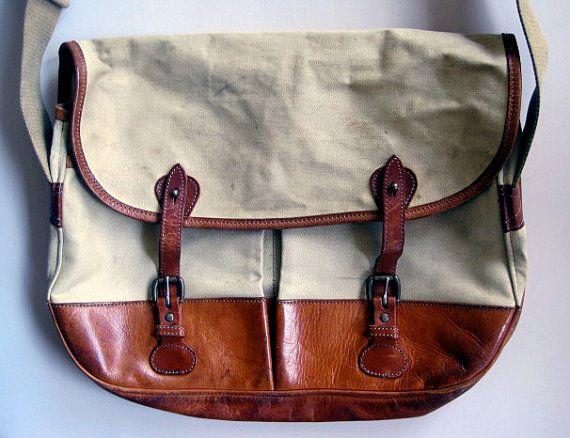 Vintage Banana Republic Canvas and Leather Messenger shoulder Bag ... d3410bc75506d