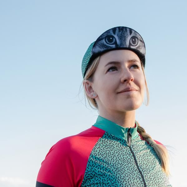 Iconic cycling fashion cap. Wear with the matching women's cycling jersey for the ultimate in road cycling style.