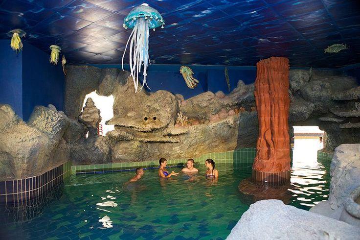 Aqua-Palace Fedett Élményfürdő
