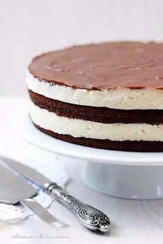 """Торт """"Милка""""Это самый вкусный торт, который я когда-либо ела!Ингредиенты:Для бисквита: ● 4 яйца ● 4"""