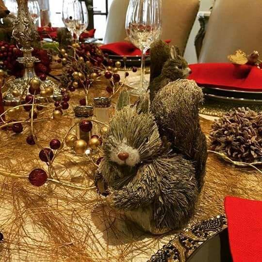 Sofia Vagara Christmas dinner decor