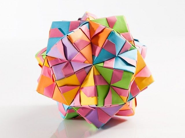 Mathematical properties of polyhedra origami - Origami Workshop at school- Plico Design