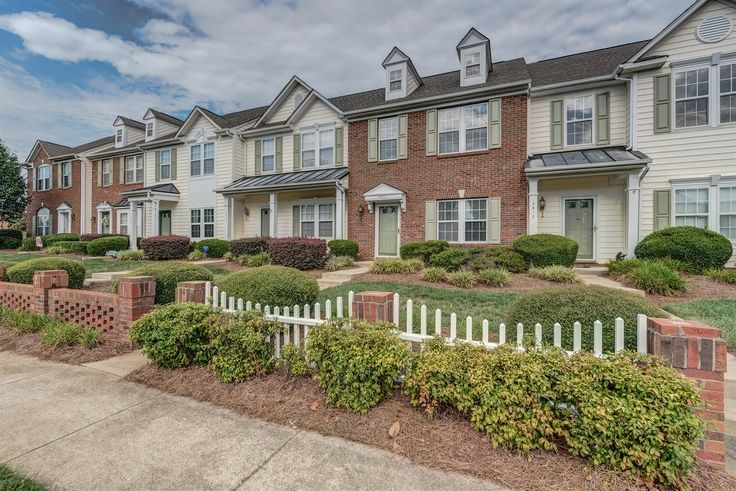 Wonderful Open Brick Front Townhome in Indian Trail! Contact Wendy Richards, Keller Williams Realty - Ballantyne, 704-604-6115 for more information.